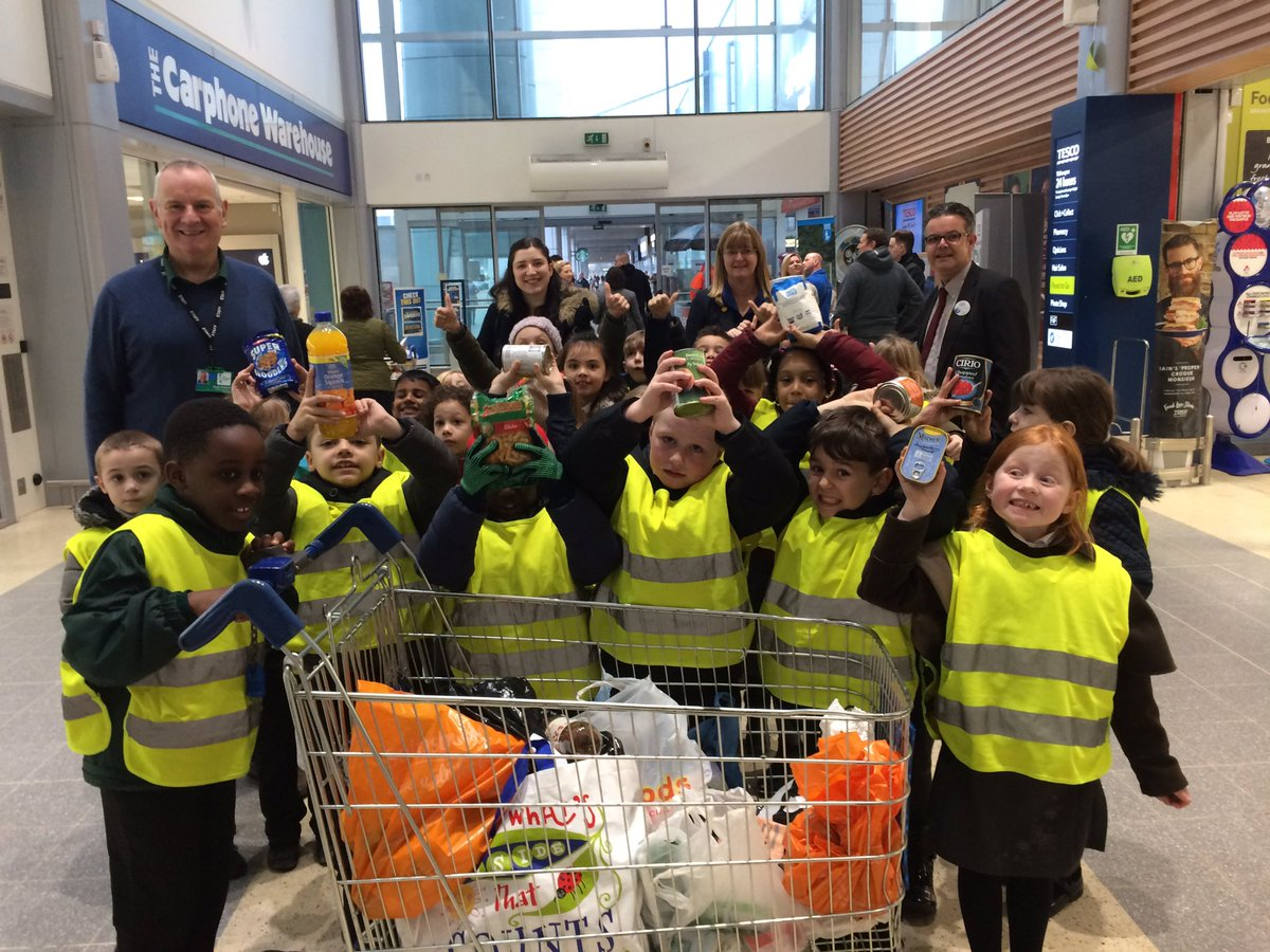We loved meeting Hugh from @TrussellTrust and handing in our donations at Tesco. Thank you year 2! #gospelvalues #grateful&generous