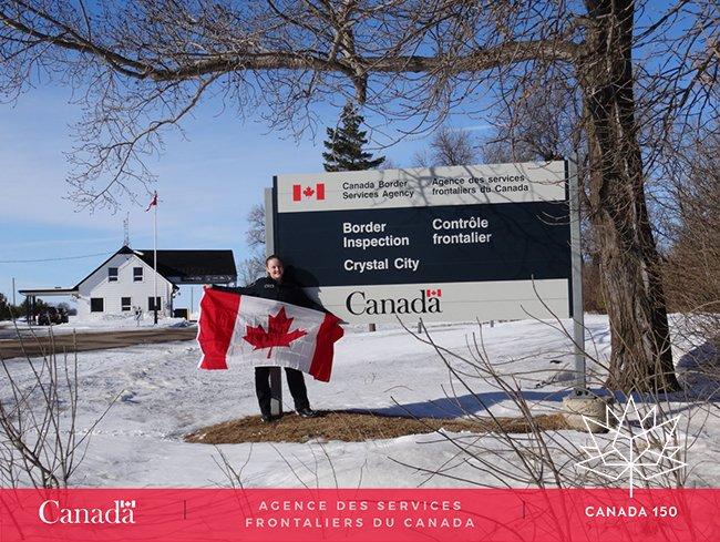 Joyeux #Jourdudrapeau de #CrystalCity #MB #Canada150 <br>http://pic.twitter.com/XZWDhcXnUE
