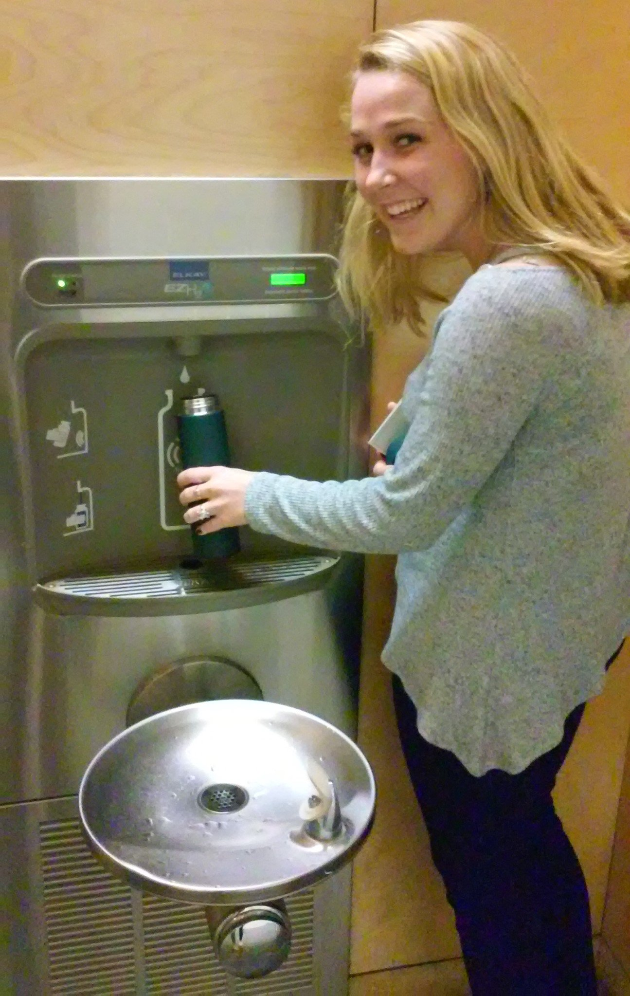 We reduce waste with reusable waterbottles! @TulaneNews how are you reducing waste? Post a pic & tag a friend! #tulanerecycles #recyclemania https://t.co/kCMbr87qAU