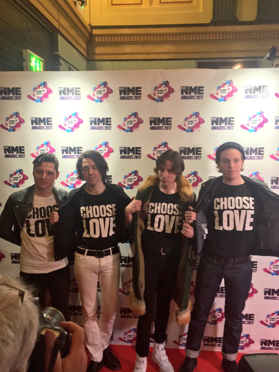 .@PEACE4EVEREVER showing the love ❤️ #VO5NMEAwards