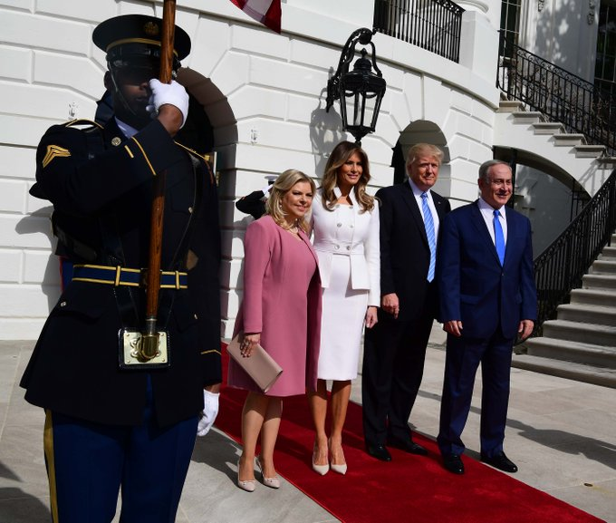 Photos: Prime Minister Benjamin Netanyahu & Mrs Sara Netanyahu welcomed at the  by @WhiteHouse Don@POTUSald Trump &  Melania@FLOTUS Trump.