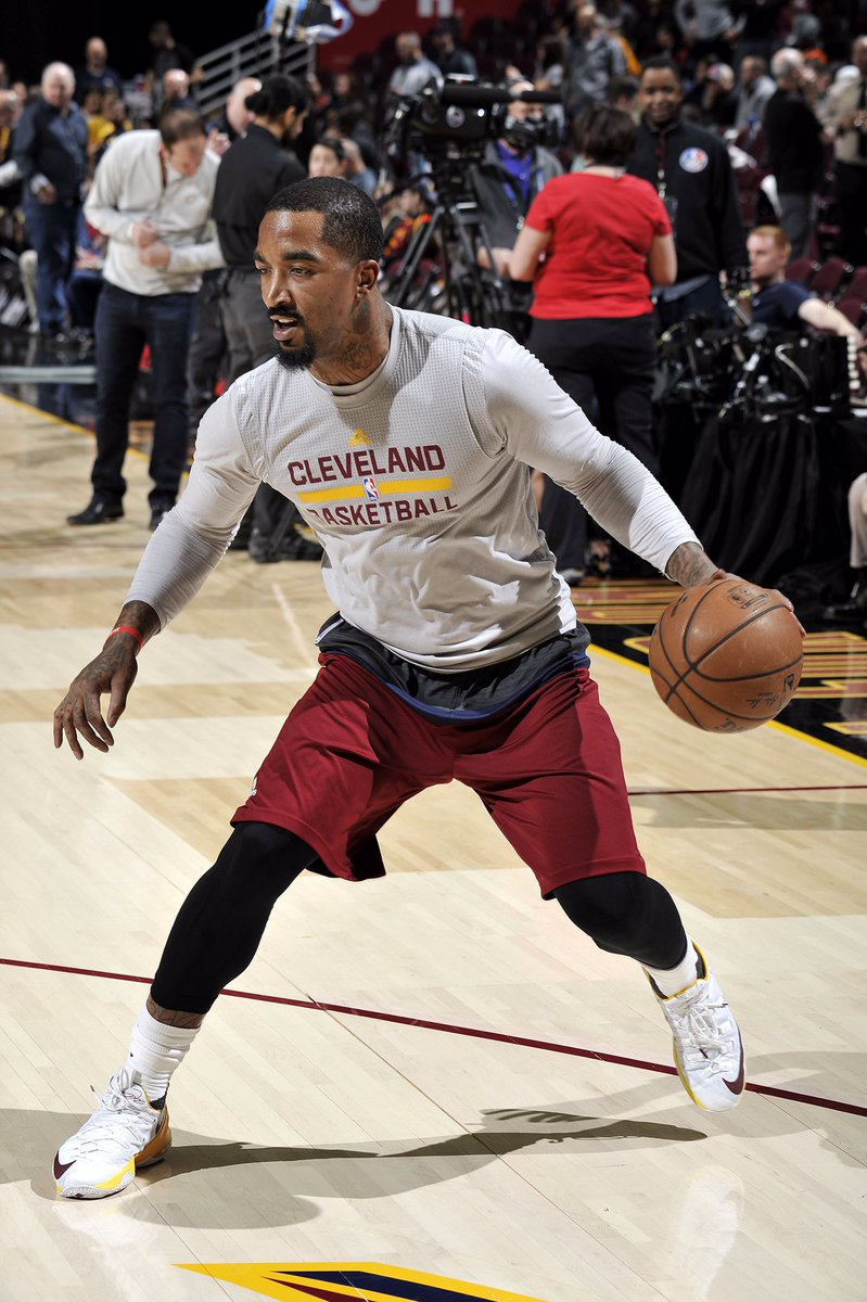J.r. smith warming up tonight without a cast in the nike lebron 13 ... f15d85e9a