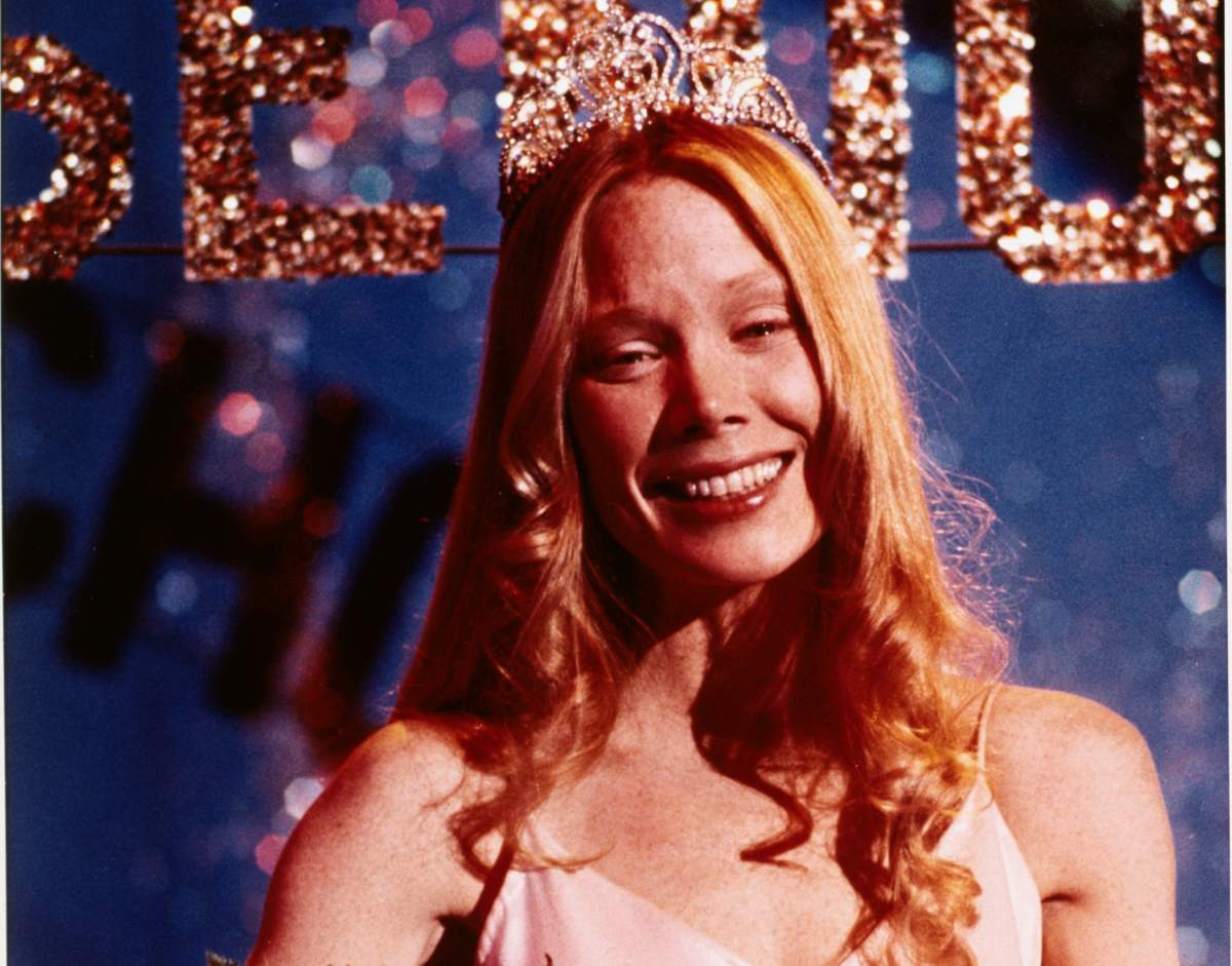 Oh girl you give me the chills...  #Carrie - 1976 <br>http://pic.twitter.com/1j690U23wn