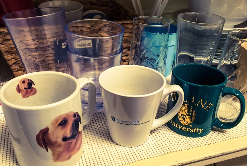We keep our kitchen stocked with mugs and glassware! @TheWellTulane how do you recycle or reduce waste? #TulaneRecycles @TulaneNews https://t.co/pzwQP2FzRx