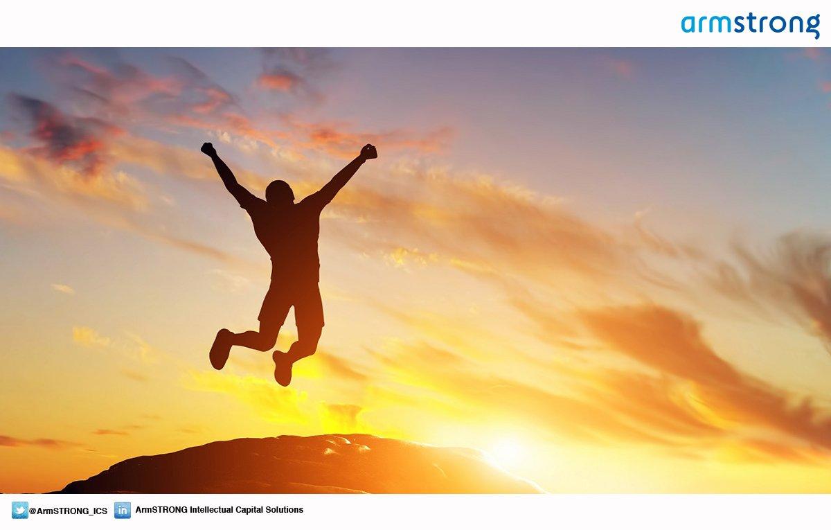 """#QuiénDijo """"Un hombre con una idea nueva es un loco hasta que la idea..."""