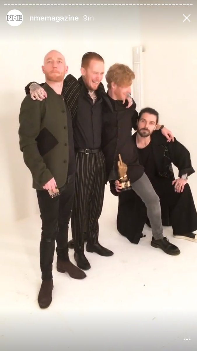 BEST BRITISH BAND 🖕🏼 #VO5NMEAwards #BiffyClyro