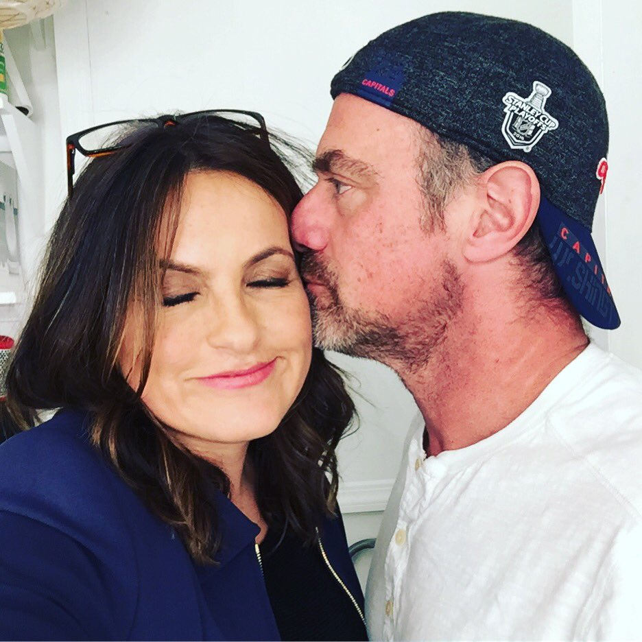 And then that happened... Just when I thought Valentine's Day was over. @Chris_Meloni https://t.co/q8JJ0HmGOh