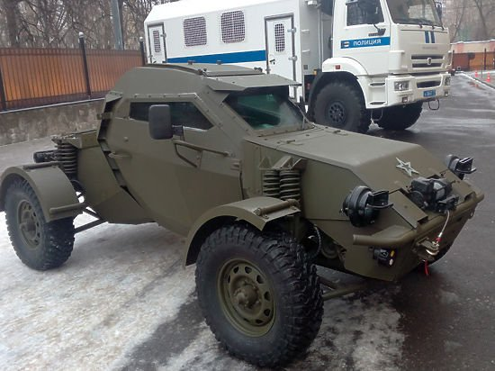 ロシア国家親衛隊(Natsionalnaya Gvardiya Rossii)が装備するらしい軽装甲…