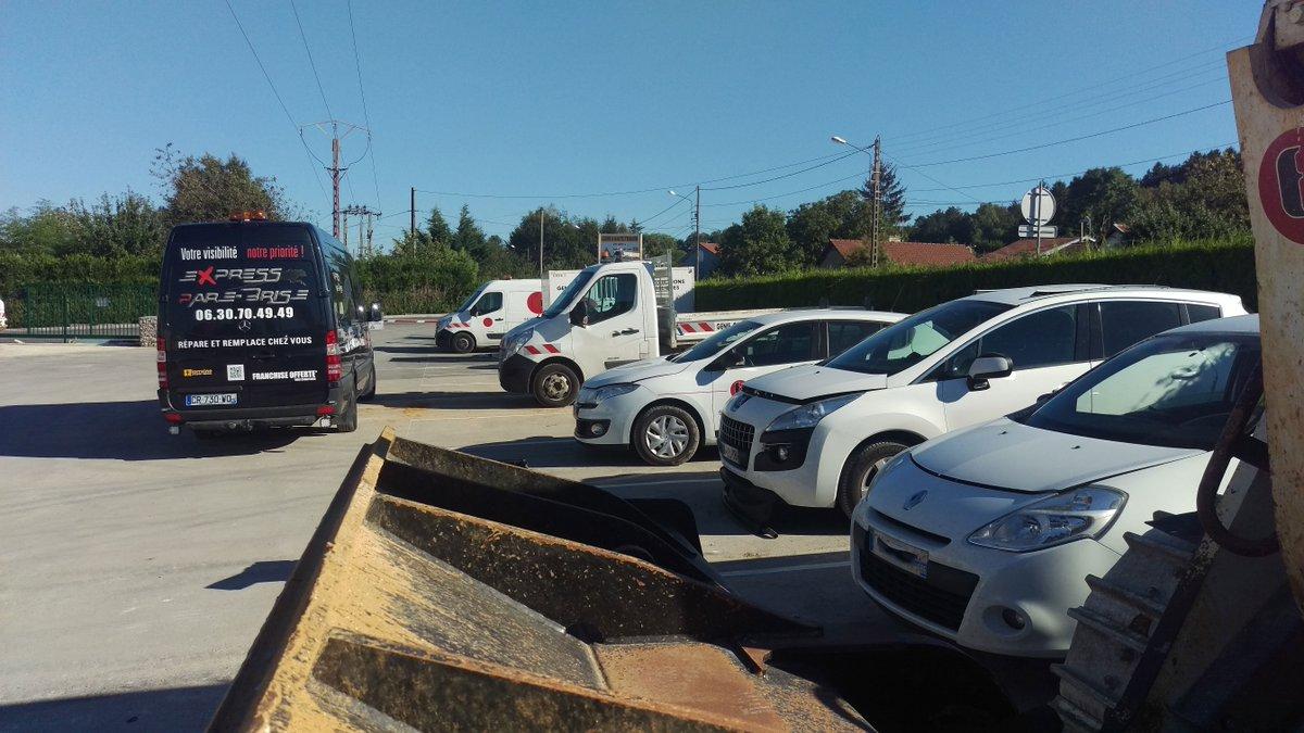 #Jeudi #Eure #Transport #Routier #PareBrise remplacé sur #Renault par @expressPB_57 #Vernon Publié via @Hoptimiz_fr  http:// blog.hoptimiz.fr/vehicules/expr ess-pare-brise/ &nbsp; … <br>http://pic.twitter.com/ZdiwXrzGwV