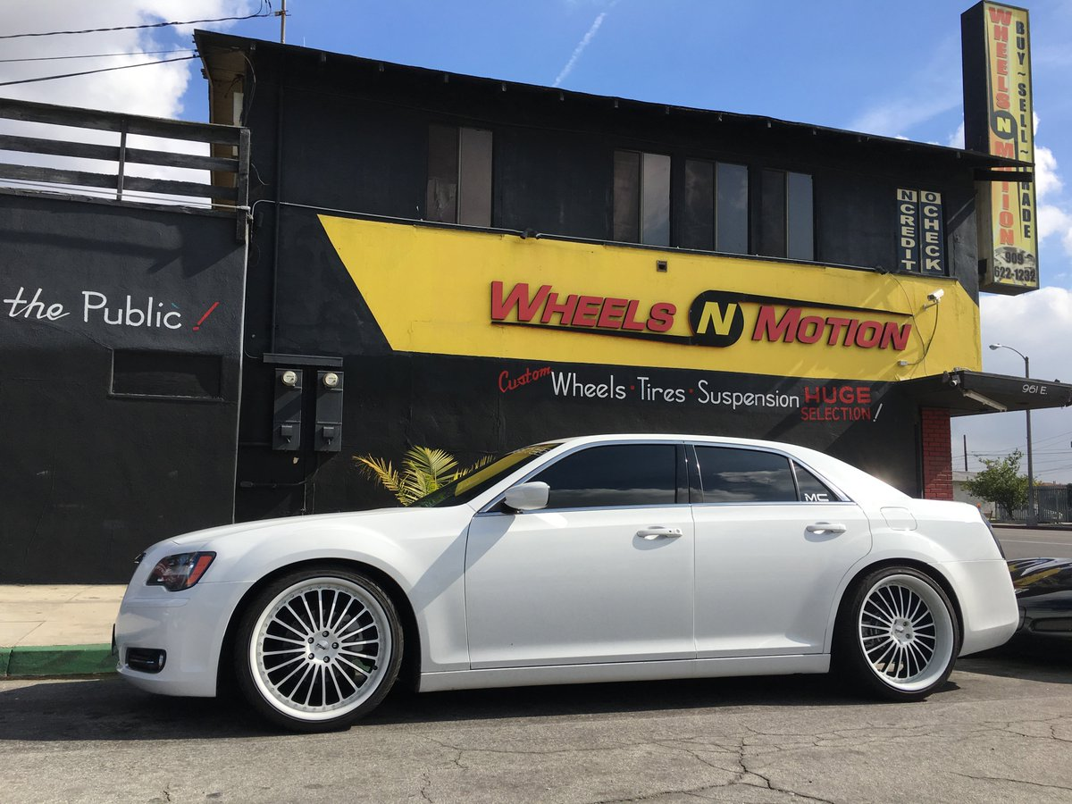 wheels n motion on twitter 2012 chrysler 300 s on 22 tsw wheels style silverstone with custom. Black Bedroom Furniture Sets. Home Design Ideas