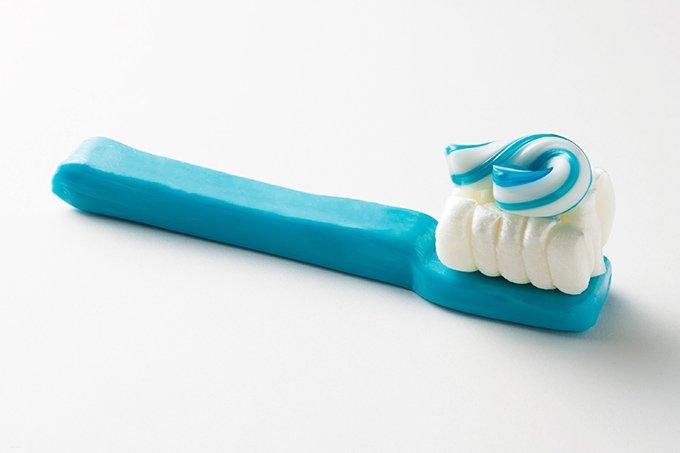 「パパブブレ」から、金塊や歯ブラシを模したユニークなホワイトデーキャンディーが発売 fashion-…