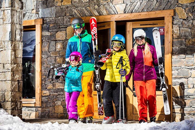 ¿Te imaginas no tener que viajar con esquís a cuestas? Con @Skiset lo tendrás todo listo para la acción ⛷️❄️➡️https://t.co/7I2aunIrxF