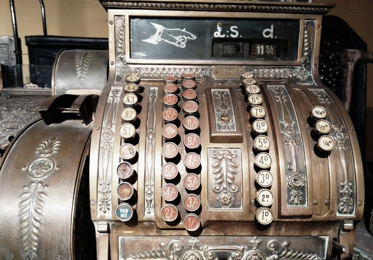 #Steampunk Awesome of the Day: #Vintage Cash Register at #BankfieldMuseum #Halifax via @CalderdaleM #SamaCuriosities