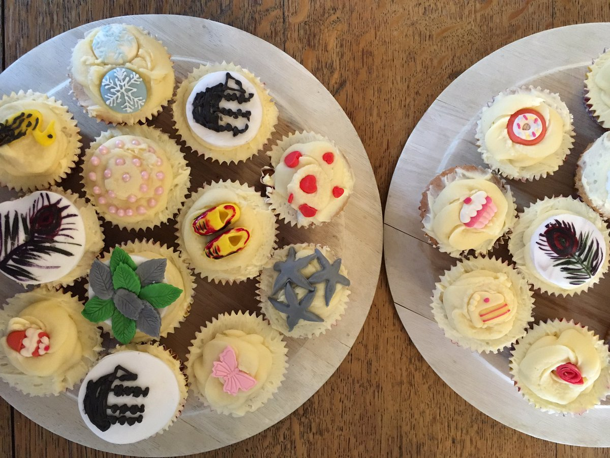 Our cabinet of curiosities cakes are the sweetest 🦋 come along and join us! @EEALondon @CorelliCollege