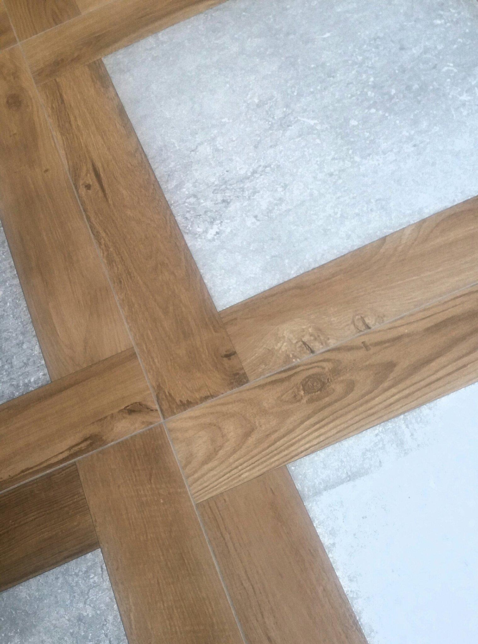 Trampantojo! Parece madera, pero solo parece... #PorcelanosaExperience https://t.co/QGXYs9VMLY