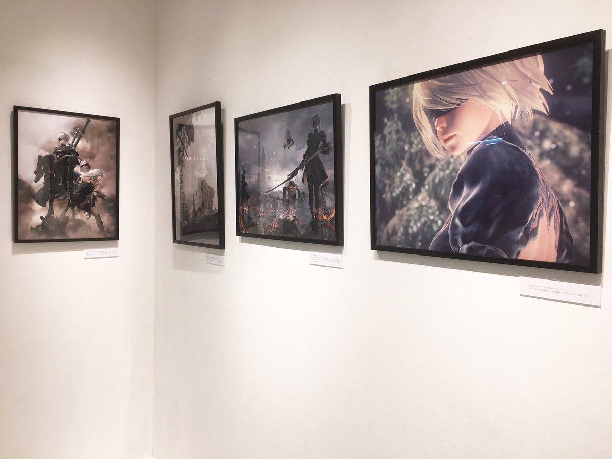 「NieR:Automata Window Gallery」がスタートしております。場所は、JR新宿…