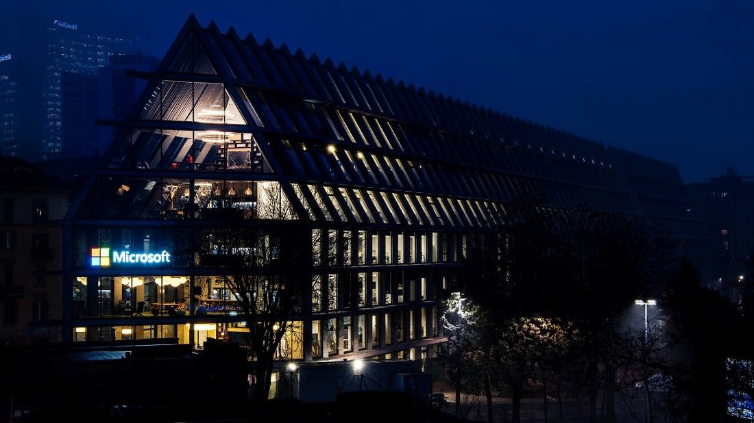 Italie - Hitech &amp; Internet :Microsoft House ouvre ses portes à Milan -  http://www. italie-france.com/fr/microsoft-h ouse-ouvre-ses-portes-a-milan &nbsp; …  #italy #microsoft #hitech #internet #milan<br>http://pic.twitter.com/Bt3BQcMGip
