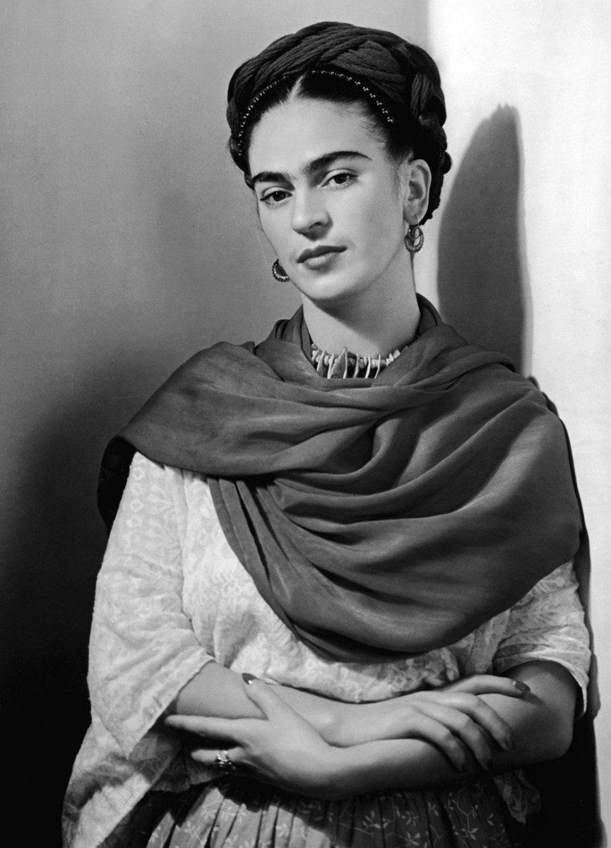 Tek bir şey için ağlanmaz, birikmiştir...  Frida Kahlo https://t.co/tt...