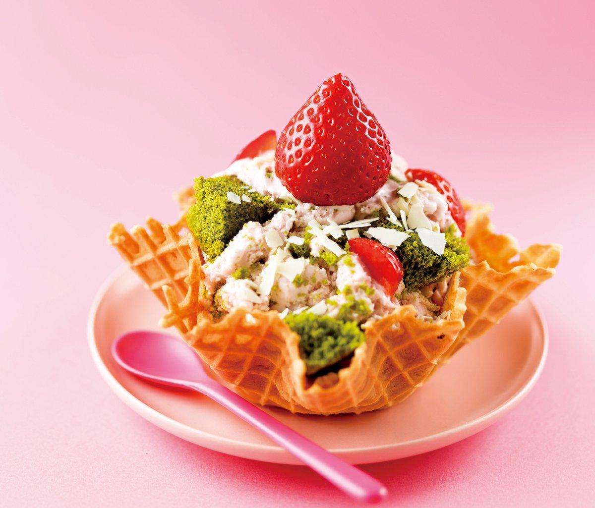 東京スカイツリータウンの桜スイーツ - 桜餡のソフトクリームやシュークリームなど春らしいピンク色 f…