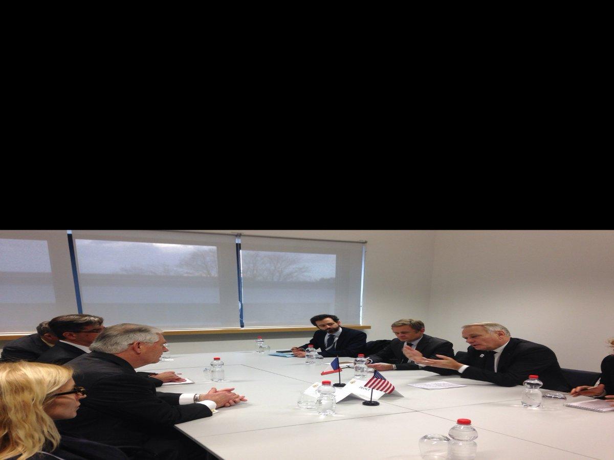#G20 la rencontre #Ayrault #Tillerson commence. Le MAE fr invite Tillerson à Paris <br>http://pic.twitter.com/drTWh5Hdil