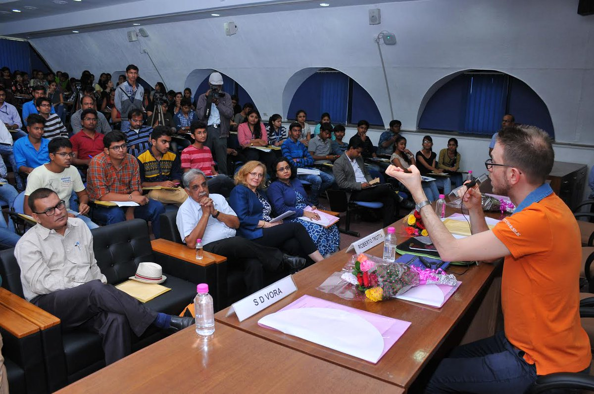 Science City and GUJCOST organize Cosmic Voyage to understand the mystery of universe