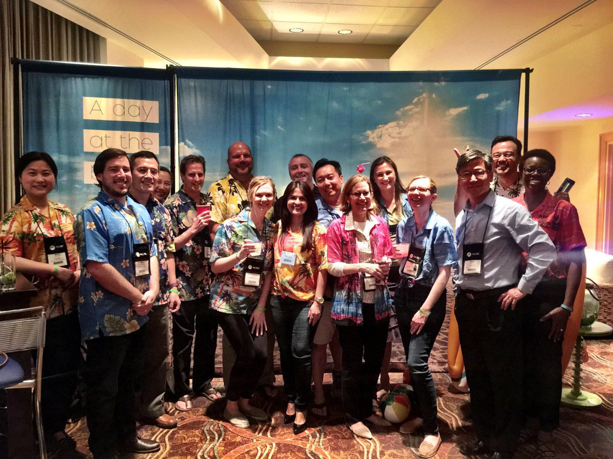 "The @idtdna team at the close of our ""beach party"" last night at #agbt17 https://t.co/7mDT5254oS"