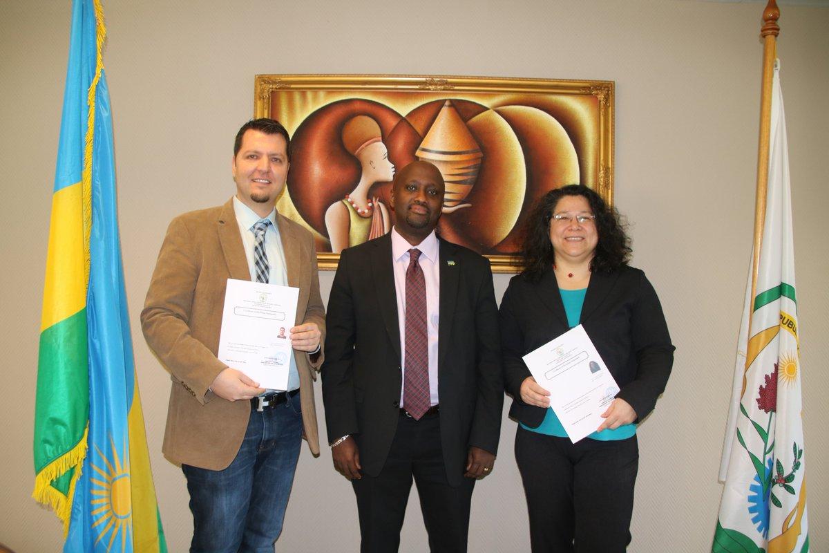 Rwandan Community of #Belgium has two new members, Mr. C. Debrouwer and Ms. V. Renault  #Rwanda #citizenship  #Diaspora #Brussels @DRBrugari<br>http://pic.twitter.com/0RHvf1HvkI