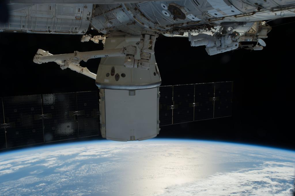 .@SpaceX launch Saturday will be 1st from Pad 39A since shuttle & will deliver 5,500 lbs of cargo to @Space_Station: https://t.co/xaWA0moG63 https://t.co/2A2Dcm4myC