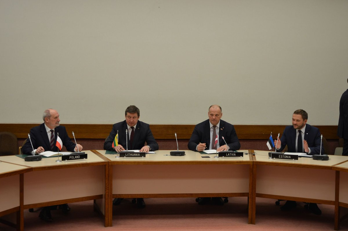 EST, LVA, LTU and POL DefMins signed an agreement to simplify the procedures for Allied troops' movement