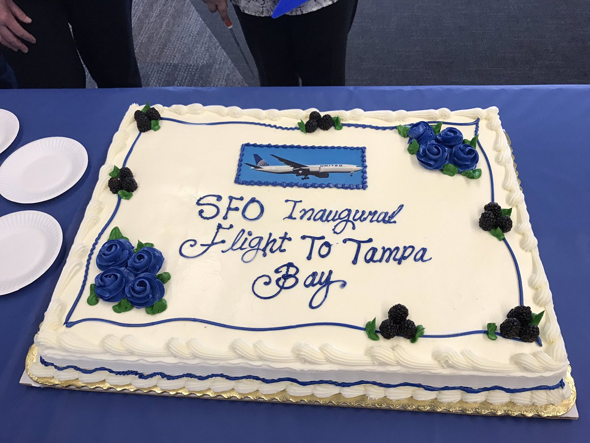 Cake at the gate for inaugural SFO-Tampa B737 nonstop on @united  #TPA2SF @flySFO https://t.co/8iyaXhYk6C