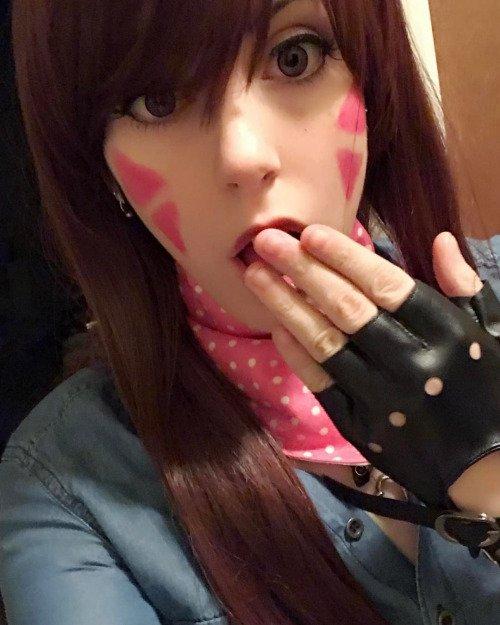 Quizz ! ∩( ・ω・)∩ #cosplay de ?  Avis ?! Note sur 10 ?! #RT Tweetez moi vos cosplay perso ∩( ・ω・)∩ via le site  http://www. otakuplayer.fr  &nbsp;  <br>http://pic.twitter.com/NP27ssmtzr