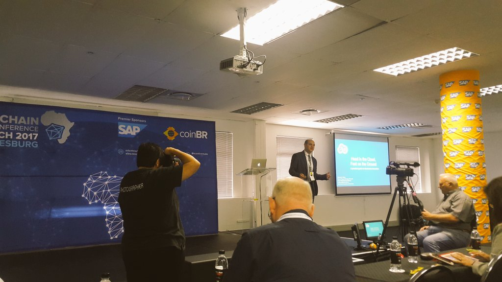 Michael Glaros from @Microsoft #blockchain & #cloudcomputing a good fit for agile scaling @blockchainza #BAC17 https://t.co/cY0qt4UnCT