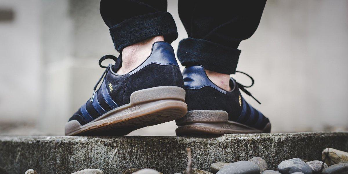 ro0nm20eX0 #jeans #adidas #adidasjeans