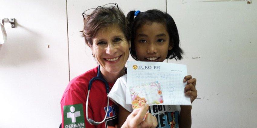 """""""Sie kennen es nicht anders"""". German Doctors-Ärztin Verena Gröschel berichtet von ihrem Einsatz auf #Mindanao.https://t.co/ttoNuE1eKX https://t.co/36bfhgChxL"""