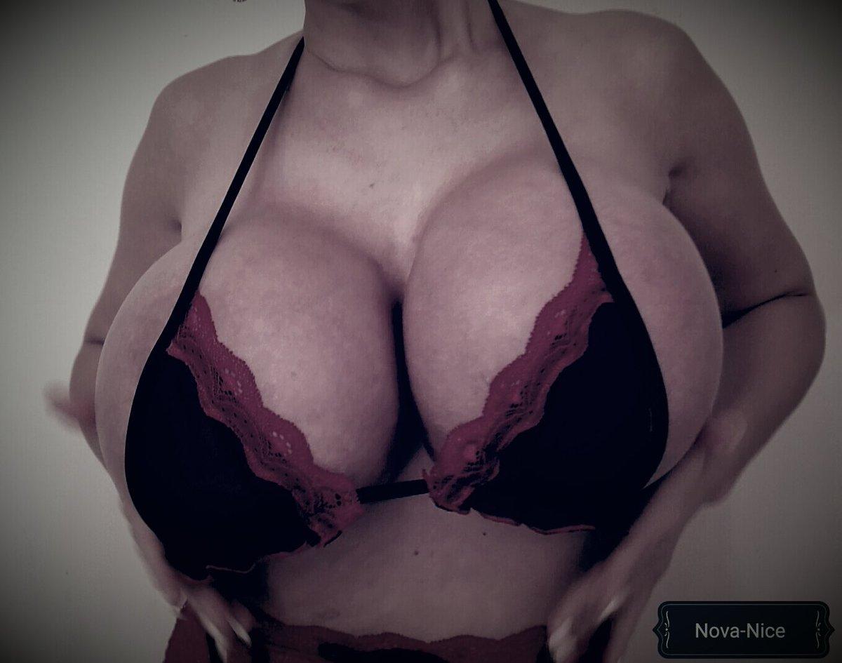 Enormous huge tits natrual