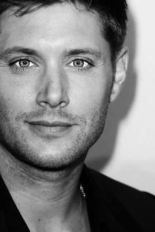 (´  )  Happy 39th birthday, Jensen Ackles !!