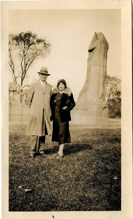 Grandpappy and grandmother Gotobed standing next to the sculpture my grandmother made in her husband's honour. https://t.co/iQBcyslBVg