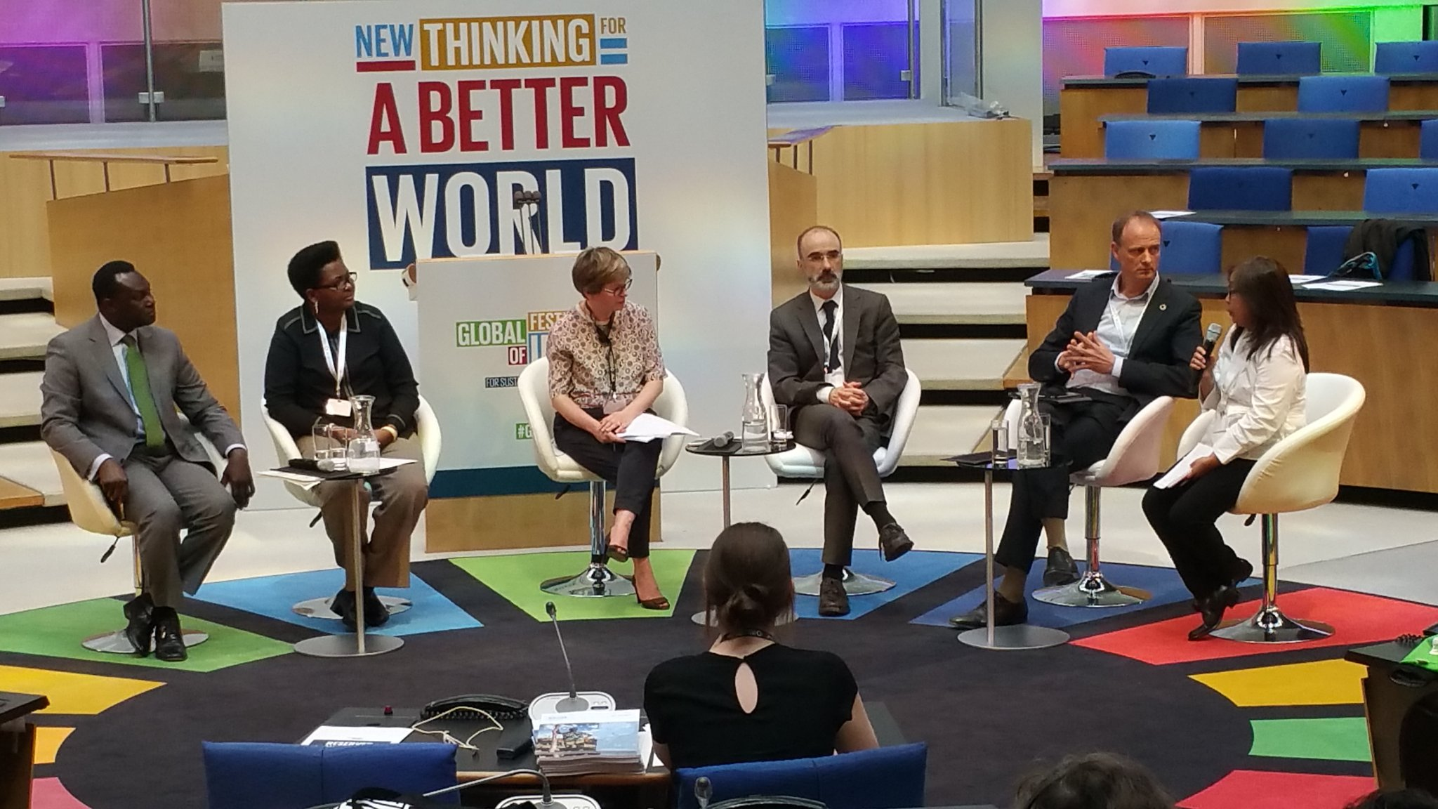 @beckiemalay GCAP Co-Chair speaking about income inequality in the Philippines  and the conditional cash transfer programme #GFI4SD https://t.co/KNB2mOhUoY