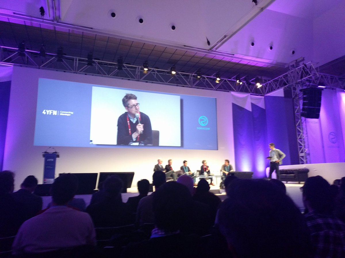 """""""Saying mobile business is like saying digital business, it doesn't mean anything anymore"""" — @BenedictEvans #MWC17 https://t.co/f7NZjKZXss"""
