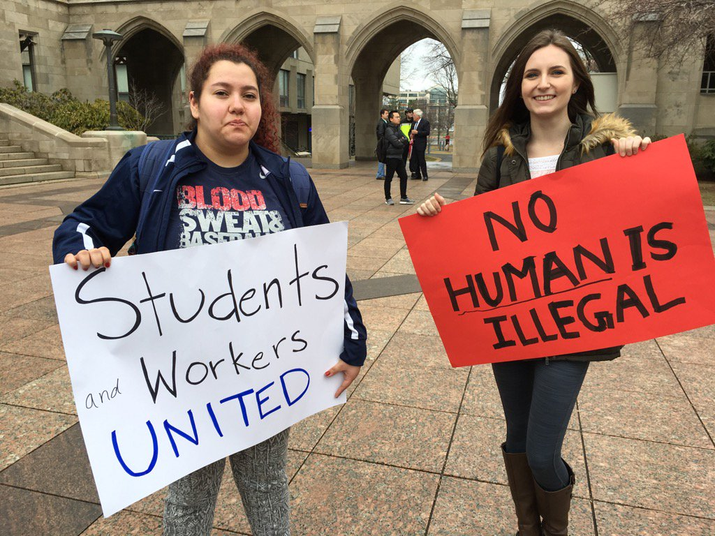 .@BU_Tweets students showing their love for @FacForwardMA , #immigrants! #CampusResistance https://t.co/hVJ4cb1uEf