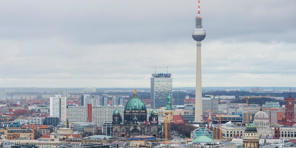 Germany's unemployment continues to fall as confidence in the economy improves https://t.co/muALAm8iAu