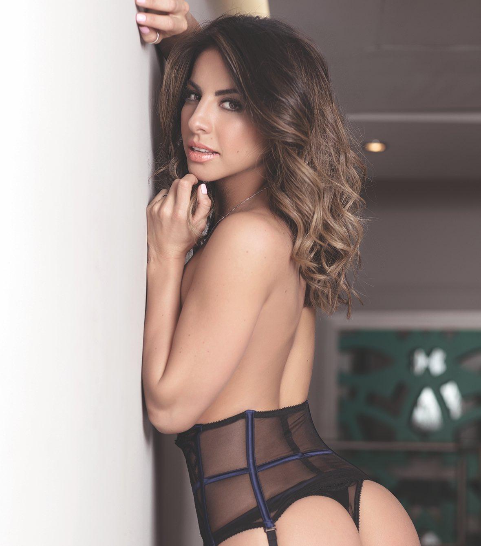 Daniela Fainus Nude Photos 14