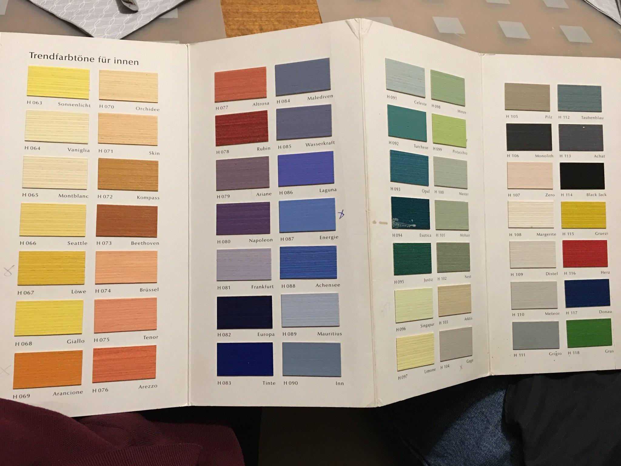 So, und welche Farbe nehmen wir jetzt?? #meurers https://t.co/RFMjNRo0dQ