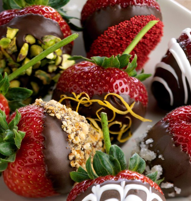 5 Easy Steps to Chocolate Covered Strawberries
