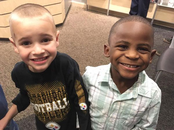 A 5 y/o boy wanted the same haircut as his friend...so that their teacher wouldn't be able to tell them apart! >>https://t.co/vGsjVbriBm