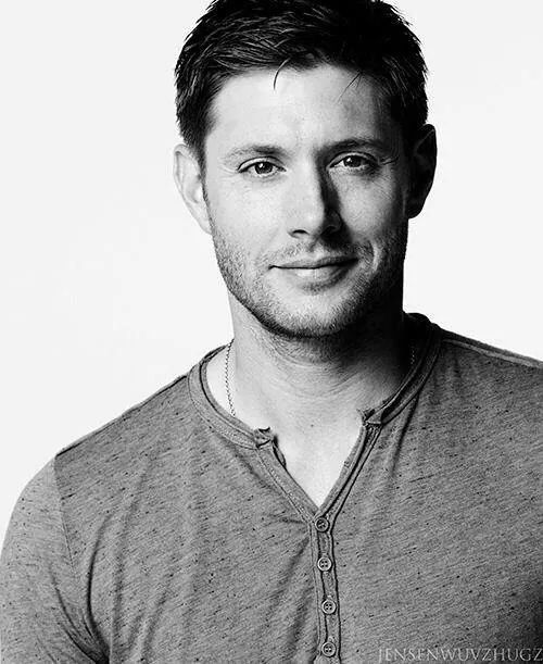 Happy birthday Jensen Ackles!! I hope you\ll have a wonderful day, stay awesome!