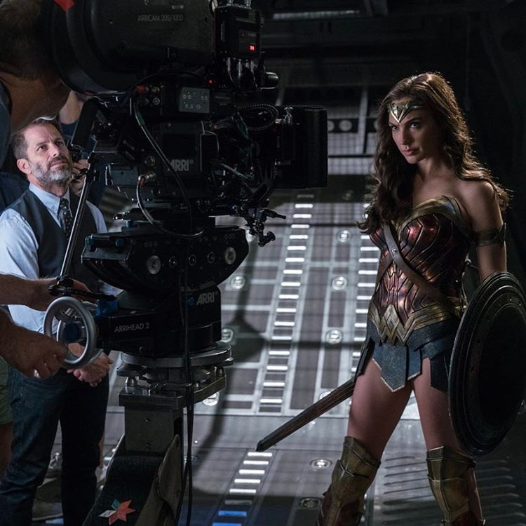 Actors Ben Affleck Amber Heard Henry Cavill And Jason: Gal Gadot Wishes JUSTICE LEAGUE Director Zack Snyder A