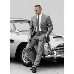 Happy 49th birthday to the current 007, Daniel Craig. Please do just one more!