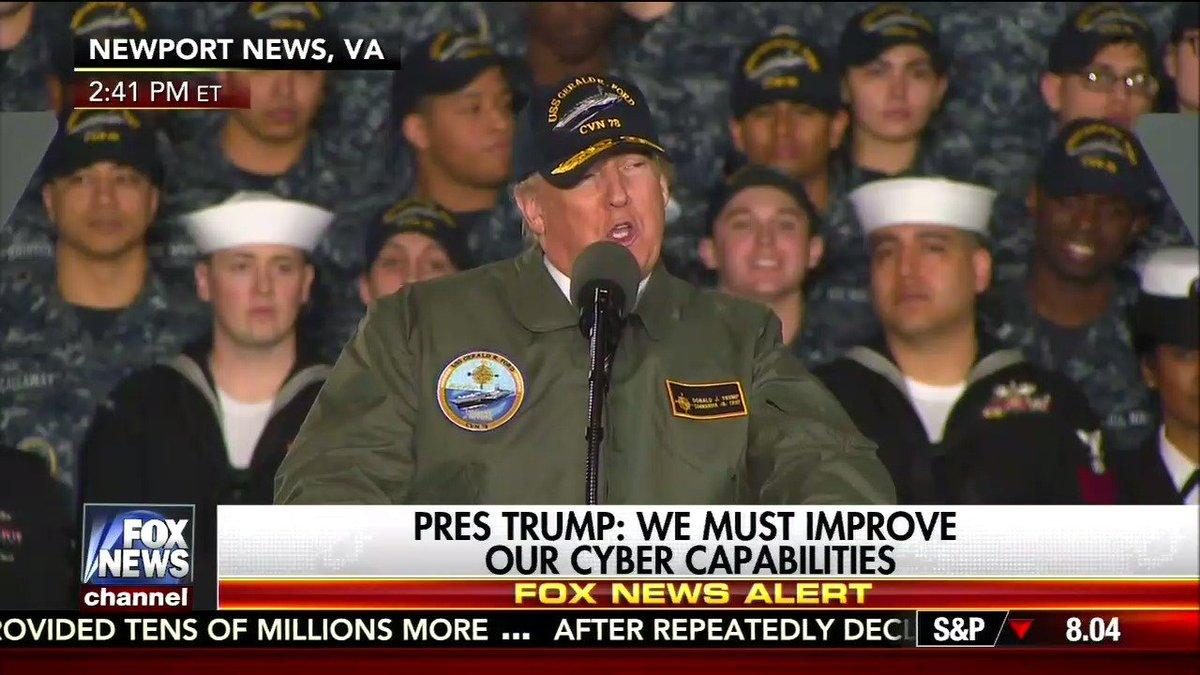 Navy Gerald : Trump chooses Navy jacket ball cap USS Gerald Ford