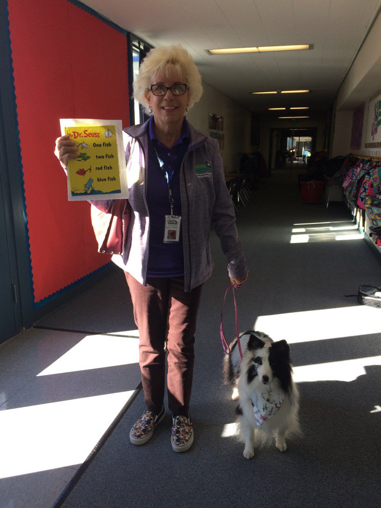 """Cozette and her reader at Fredriksen and """"Paws to Read"""". #ReadAcrossAmerica @DUSD4kids @FredPrincipal @Fred_AsstPrin https://t.co/jOSc6GKPQ9"""